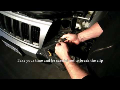 How To Change a Headlight/Turn Signal on a Jeep Grand Cherokee 99-04
