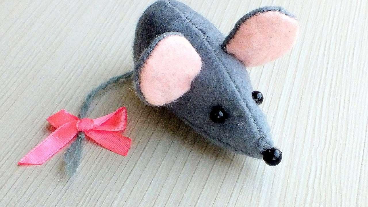 Мышонок из ткани своими руками 39