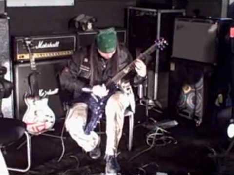 Nick Catanese playing at Dean Markley NAMM 2008