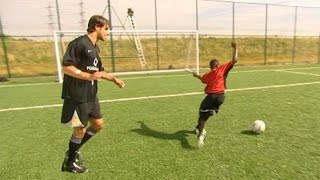 Ruud van Nistelrooy Teaches 12 Year Old Danny Welbeck The
