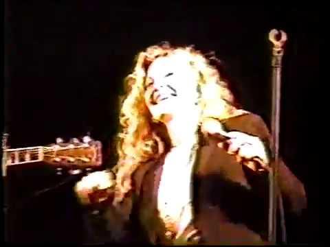 Johnny Duncan & Stella Parton singing 'Stranger'