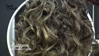 """Con la tecnica del """"pizzico"""" i capelli lisci diventano ricci senza permanente"""