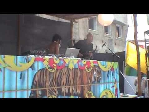 Johnny Deep & Simon Sax - Sunburn Goa 09 video