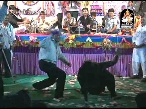 Gandi Thai Danki Dungarwadi E | Mogal Maa Bhajan | Kirtidan Gadhvi Dayaro 2014 video