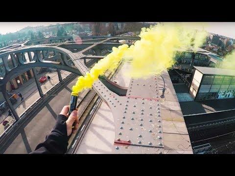 Extreme BRIDGE CLIMB in Berlin with SMOKEBOMBS (+ Escape Run)