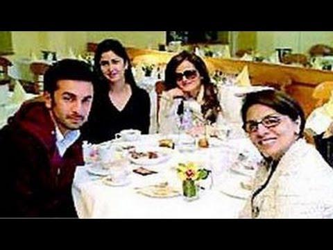 Katrina Kaif SPOTTED dining with Ranbir Kapoor & Neetu Kapoor