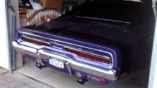 Dodge Charger 1969 Start up & Sound