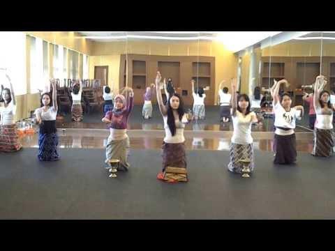Latihan Tari Tradisional Gending Sriwijaya (palembang) video