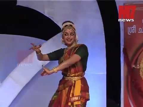 MANJU WARRIER performing classical dance in Karikkakom PART 2