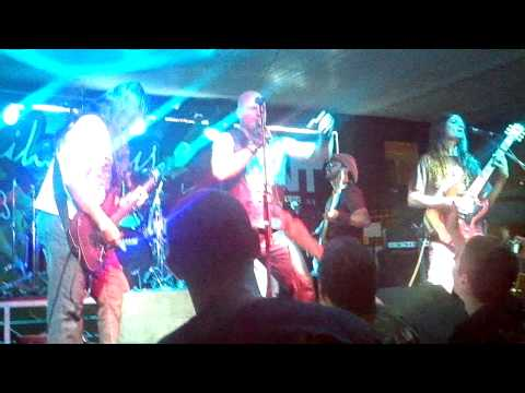 Rock of Ages - Flight of Icarus ( Iron Maiden)