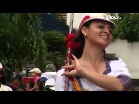 3 de Noviembre en Panamá: Desfile de Colegios por LatinOL.com