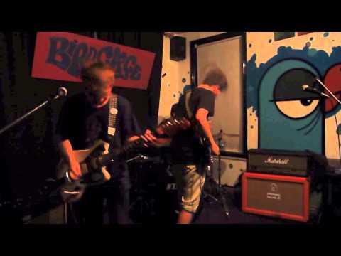 Cøllege – Old Kev (LIVE @ The Festing)
