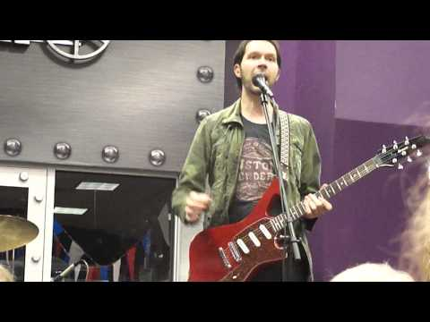 Paul Gilbert - Two Types of Guitarists