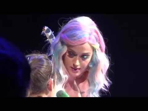 Katy Perry with Pizza and Fan on Stage Live Montreal 2014 HD 1080P