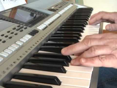Beyond the Sea played on the Yamaha PSR-S900