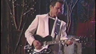 Watch Chris Isaak Rudolph The RedNosed Reindeer video