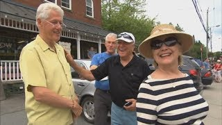 Bill and Hillary Clinton window shopping in Quebec town