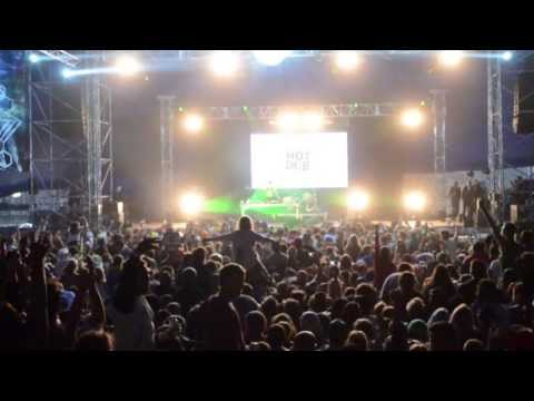 Hot Dub Time Machine is an audio-visual dance party, travelling through 60 years of music, and rocking out at Festivals all around the world. Footage from: F...