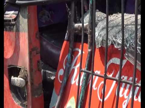 Bus Raya Jaya Trans Tabrak Tiang Listrik 3 Tewas