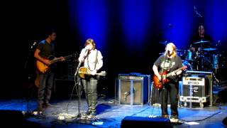 Watch Indigo Girls Trouble video