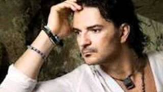 Watch Ricardo Arjona Mentiroso video