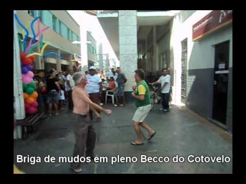 Sobral - Briga de Mudos em pleno Becco do Cotovelo