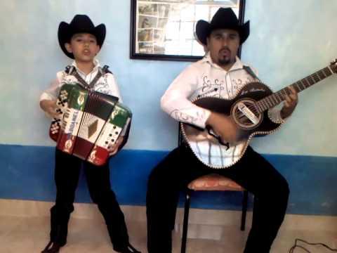 CHUYITO BAÑALES - el palomito al estilo de Mario Rosas y Don Lupe Tijerina