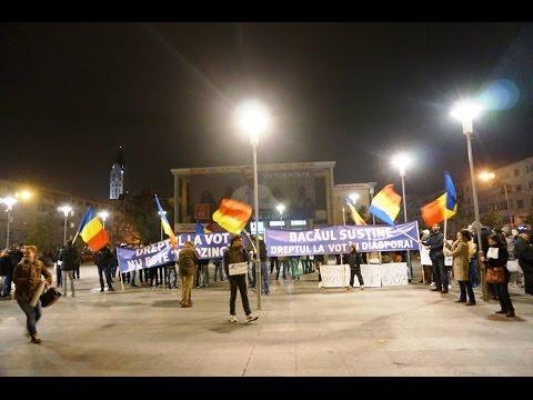 Bacau miting anti Ponta si contramanifestatia PSD 14 noiembrie 2014. Mitingul anti-PSD a fost organizat pe Facebook, iar în jurul orei 17:00, câteva zeci de protestatari, unii apropia�i...