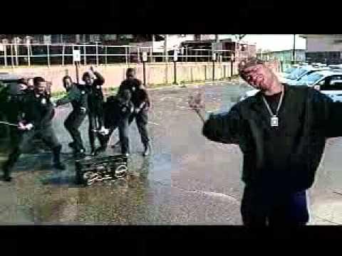 Three 6 Mafia   feat Hot Boyz   tear tha club up thugs.wmv