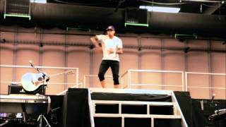 Usher vs Chris Brown [2 GRANDES] Dancing