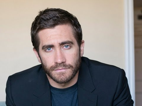 Gyllenhaal, Russo No Fans of Local TV News