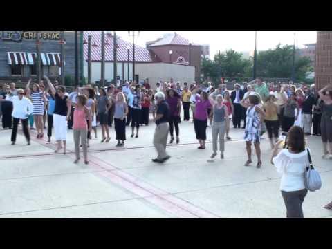 Flash Mob Hits Peoria Riverfront (HQ)