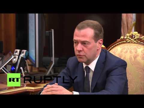 Russia: Putin and Medvedev discuss annual govt. report