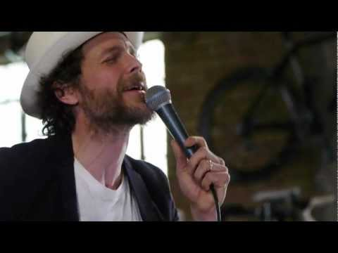 Jovanotti – Bella (Live on KEXP)