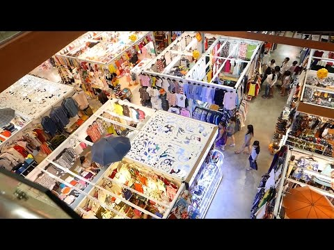 Ho Chi Minh City 2015 - Ride to Saigon Square Shopping Center