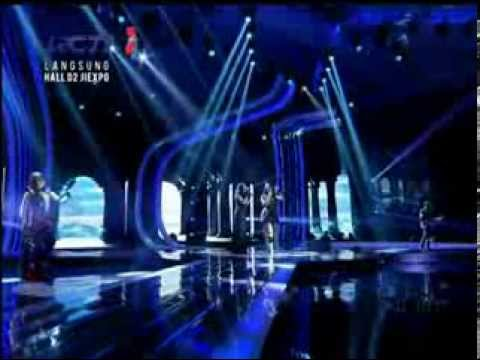 Anggun Feat Tantri Kotak  Pelan Pelan Saja  &  We Will Rock You  X Factor Around The World 11 video