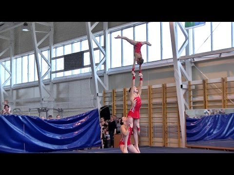 Удивительная спортивная акробатика
