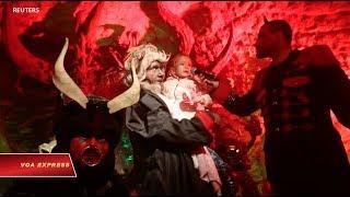 Trẻ em Czech đối mặt với ác quỷ trước khi gặp ông già Noel (VOA)