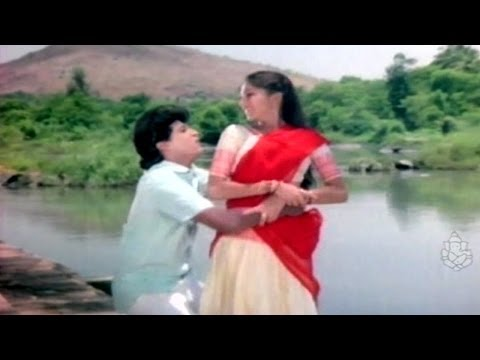 Gowri Mogavu Chandira - Shivaraj Kumar - Kannada Hit Songs video