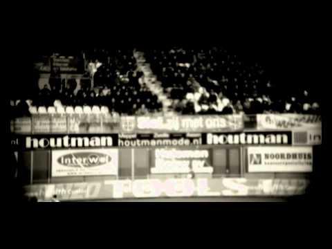 STICKS, AMBASSADEUR VAN FC ZWOLLE UNITED, LANCEERT 'HIER ZIJN WE WEER' TIJDENS THUISWEDSTRIJD TEGEN GO AHEAD EAGLES OP 12 FEBRUARI 2012 Vandaag is het zover!...
