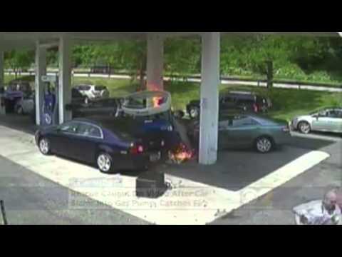 John el héroe que salva de morir a un hombre en una gasolinera de Nueva York (EEUU)