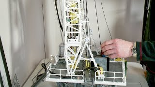 1:32 Scale Model Oil Drilling Rig