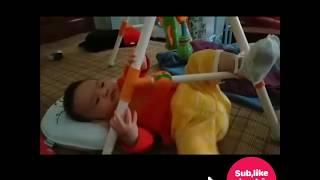 Yêu Trẻ Con II Bé chơi đồ chơi chữ A theo phong cách Quý Tộc    Sam 4M28D