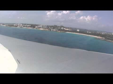 KLM MD-11 EMERGENCY LANDING ON SINT-MAARTEN (Saint-Martin)!
