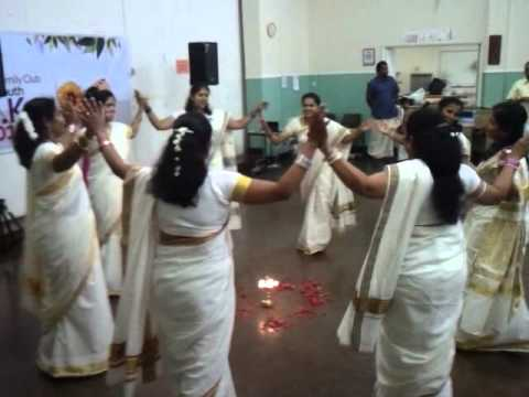 Thiruwathira E&t Club Malayali Plymouth Onam  2011 video