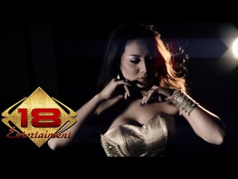 AYUNIA - Janda Juga Manusia (Official Music Video)