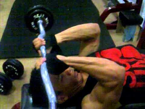 Trick Fitnes membesarkan otot tricep