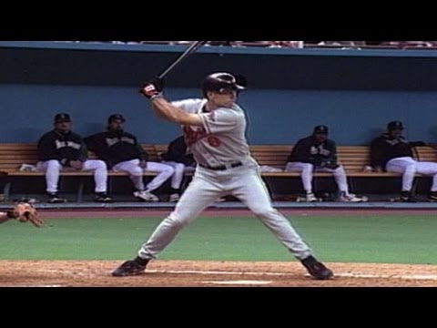 BAL@SEA: Cal Ripken Jr. hits three homers, eight RBIs