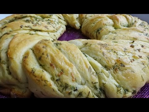 Хлеб с чесноком и зеленью Чесночный венок