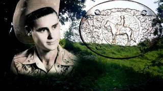 Watch George Jones Howlin At The Moon video